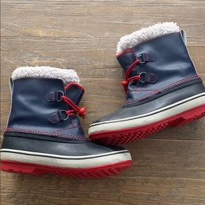 Boden Boys Snow Boots size 6.5 or 7